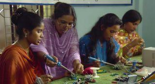 B6_bangladesh_technikerinnen_klein